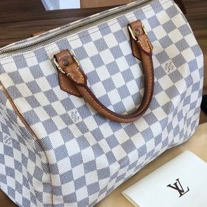 Louis Vuitton speedy 30 (Authentic)